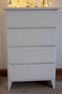 weißes-schraenkchen